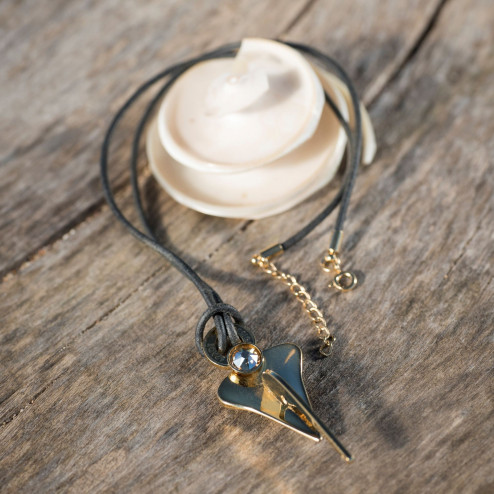 GOLD PLATED SPADE ANCHOR...